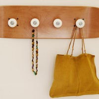 Pivot Grind Coat rack, honey color - Skate-Home | Skateboard Furniture & Design