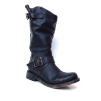 Freebird by Steven – Crsby Engineer Slouchy Boots In Distressed Black | Thirteen Vintage