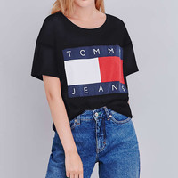 UO Exclusive Tommy Jeans Cropped Square Black T-shirt - Urban Outfitters