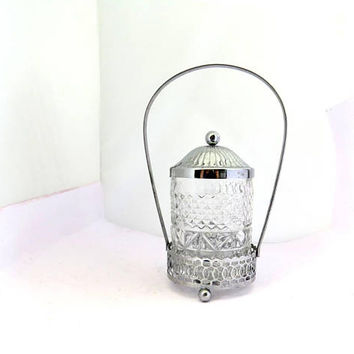 Sugar bowl. Vintage sugar bowl. Metal basket. Glass sugar bowl. Sugar bowl with lid. Metal glass stand. Handled sugar bowl. Textured glass.