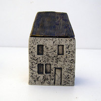 Small Ceramic  Farmhouse in Stoneware. OOAK.