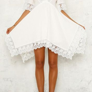 White Patchwork Lace Draped High Waisted Deep V-neck Graduated Homecoming Party Midi Dress