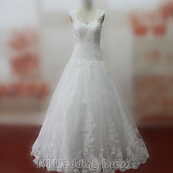 Elegant Classic Wedding Dresses with Lace Floor Length Wedding Gowns Brush Train Bridal Gowns Chic Bridal Dress