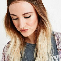 Triangle Filligree Head Chain in Gold - Urban Outfitters