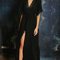 Stone Cold Fox || Leo robe in black