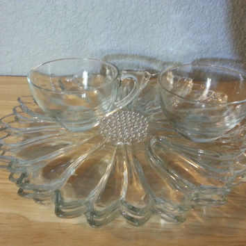 Vintage Hazel Atlas Clear Daisy Sunflower Snack Trays & Cups Glass Set