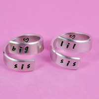 [♡052] big sis / lil sis - Hand stamped Aluminum Spiral Rings Set, Forever Sisters Rings, BFF Gift