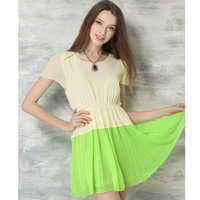 Green O-Neck Short Sleeve Pleated Chiffon Dress with Necklace