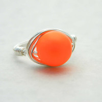 Orange Pearl Ring, Neon Pearl Ring, Jewelry Rings, Cocktail Ring, Silver Ring, Jewelry Pearl Ring, Swarovski Pearl Ring, Size 7, Anillo