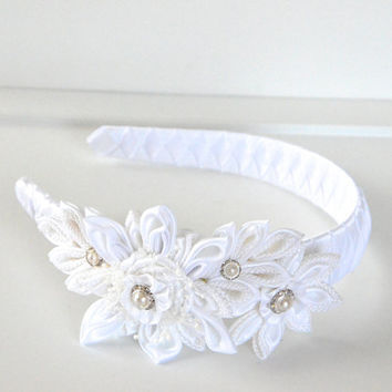 White girl headband,kanzashi headband,flower headband,1st. communion headband,hair accessories,women headband,photo prop,toddler headband.