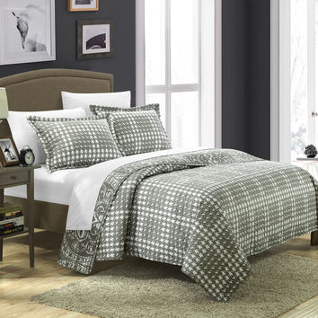 Chic Home 3 Piece Revenna REVERSIBLE printed Quilt Set. Front a traditional pattern and Reverses into a houndstooth pattern, Queen, Silver