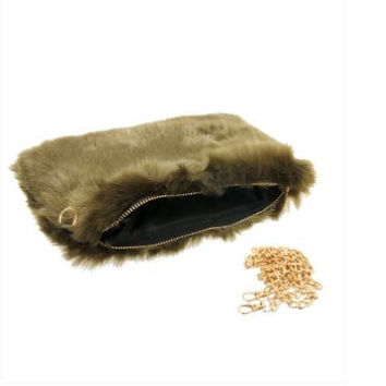 MINI FUR CLUTCH