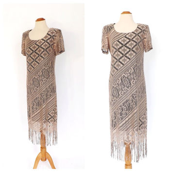 Vintage 80s does 1920s Flapper Dress Tan Crochet Lace Dress 20s Style Fringe Flapper dress Size Medium Art Deco 1930s Dress Scalloped Hem