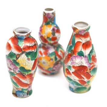 Chinese Set of 3 Porcelain Floral Bud Vases, Asian, Chinoiserie, Colorful, Vintage, Tangerine, Yellow, Green, Gold