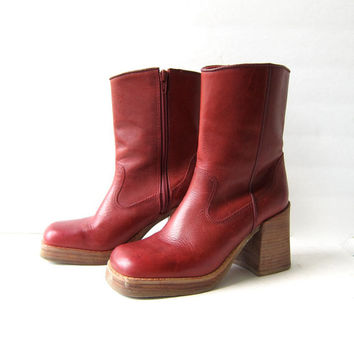 vintage red leather boots. mid calf chunky boots. zip up boots. cowgirl boots. size 6