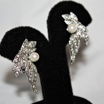 Vintage Pearl Rhinestone Clip On Earrings 1970s Estate Jewelry