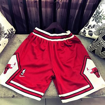 Nike+NBA Summer New Fashion Embroidery Hook Bull Shorts Red