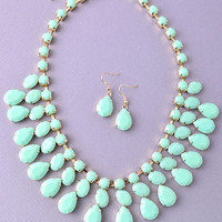 Hello Spring Necklace