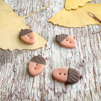 Oak acorn  buttons set 4 pcs and 8 pcs. Hand sculpted oak acorn buttons. Brown-beige polymer clay buttons