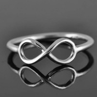 infinity ring, sterling silver ring, love ring, infinty knot ring, bridesmaid gift, bridesmaid jewelry, symbol, friendship