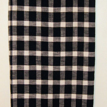 French Country Tablecloth vintage 80s Black White Check Prim Primitive Rustic Cottage Chic 48 x 68 Rectangle