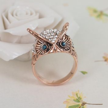MagicPieces Rhodium Plated Alloy Blue Eye Owl with Rhinestone Ring for Women Color Rose Gold