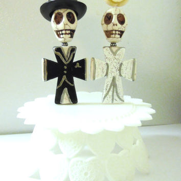 Bride Groom Day of the Dead Cake Topper Giant Sugar Skull Gothic Wedding Full Bodied w/Stand