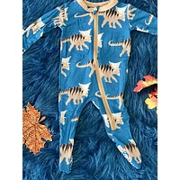 New Fall Kickee Pants Zipper Footie (Heritage Blue Koamoceratops )