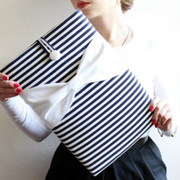 15 inch MacBook Pro, Retina Sleeve, Exquisite home for your Laptop, Padded Cover - Nautical Case, White Cotton Bow