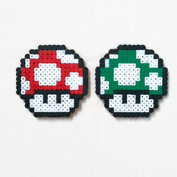 Mario 1up mushroom magnet , hama / perler bead fridge magnet , Super Mario gift , video game pixel art , uk seller