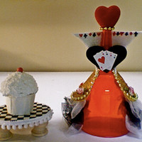 Queen of Hearts.....(set of 4) Bad Girls Club mini cupcake stands