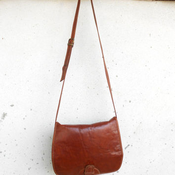 Vintage Brown Leather Messenger Bag , Crossbody Bag , Messenger Purse / Medium