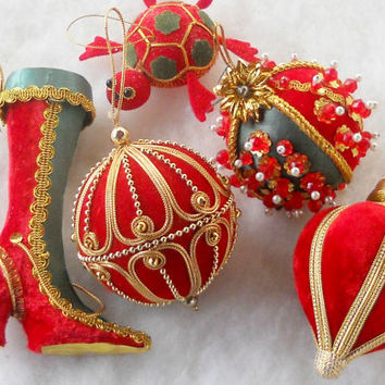 Vintage Set of 3 Velveteen and Gold Beaded Christmas Ornaments, Christmas Tree, Holiday Decor, Pearls, Collectible