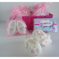 Christening favors in crochet, baby Shower, anniversary souvenirs or other special occasion - Set of 10 favors