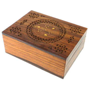 Handcrafted Carved Wood Box with Round Floral Design (India) | Overstock.com Shopping - The Best Deals on Accent Pieces