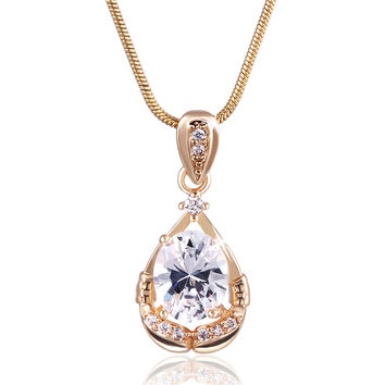 Fashion Zirconia Pendant with Necklace
