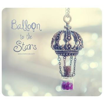 Hot Air balloon Tiny Bottle Necklace, with glitter stars. Glass vial necklace. Bottle Pendant, cute necklace, Hot Air balloon ne
