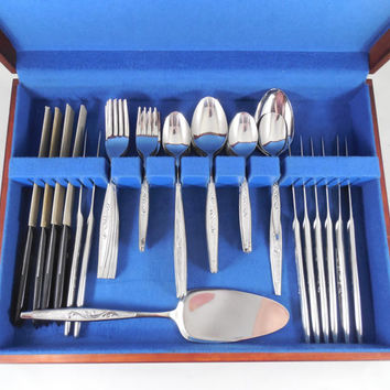 Carlton Stainless Flatware Set, Service for 8, 51 Piece Serving Set with Wood Case, Stainless Cutlery Set, CAS1 Pattern