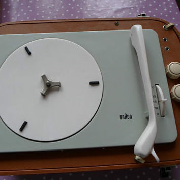 Very Rare Dieter Rams BRAUN PC3 Phonocase turntable in good and working condition