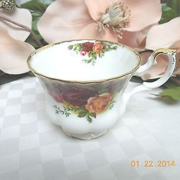 Royal Albert China Dinnerware England Old country roses Original Cup