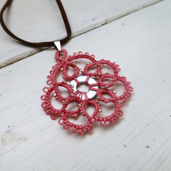 Tatted lace necklace, pink lace pendant, women's accessories, women's jewelry, handmade necklace, steampunk, victorian era, lace jewelry