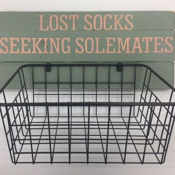 LOST SOCKS WOOD SIGN WITH BASKET
