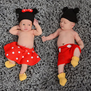 Handmade Crochet Mickey / Minnie Mouse inspired outfit set (hat, short or skirt, mittens and booties) in any size you like