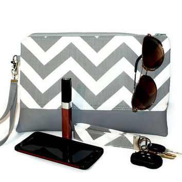 Gray and white chevron clutch, clutch, wristlet, two-tone clutch, faux leather bag, wristlet clutch, zipper pouch, bridesmaid clutch.