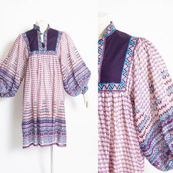 Vintage 1970s Dress - Indian Cotton Purple Printed Balloon Sleeve Boho 70s - Medium