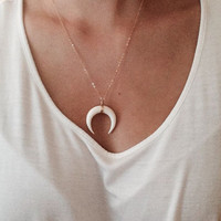 Double Horn Necklace, Moon Crescent // Perfect necklace for the modern day gypsy.