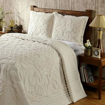 Full size 100-Percent Cotton Chenille Bedspread in Ivory