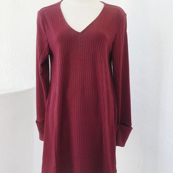 KYLIE RIBBED DRESS TOP- BURGUNDY