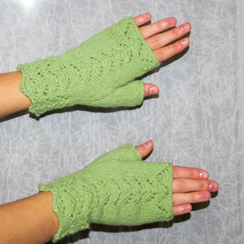 Lace Fingerless Gloves Green Fingerless Mittens,  Lambswool & Angora Blend Yarn,  Hand Made in the USA