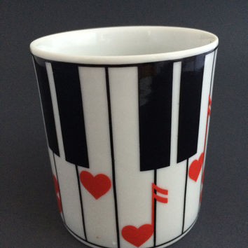 Vintage Takahashi Porcelain Coffee Mug Cup Love Song Piano Keys Hearts 8oz